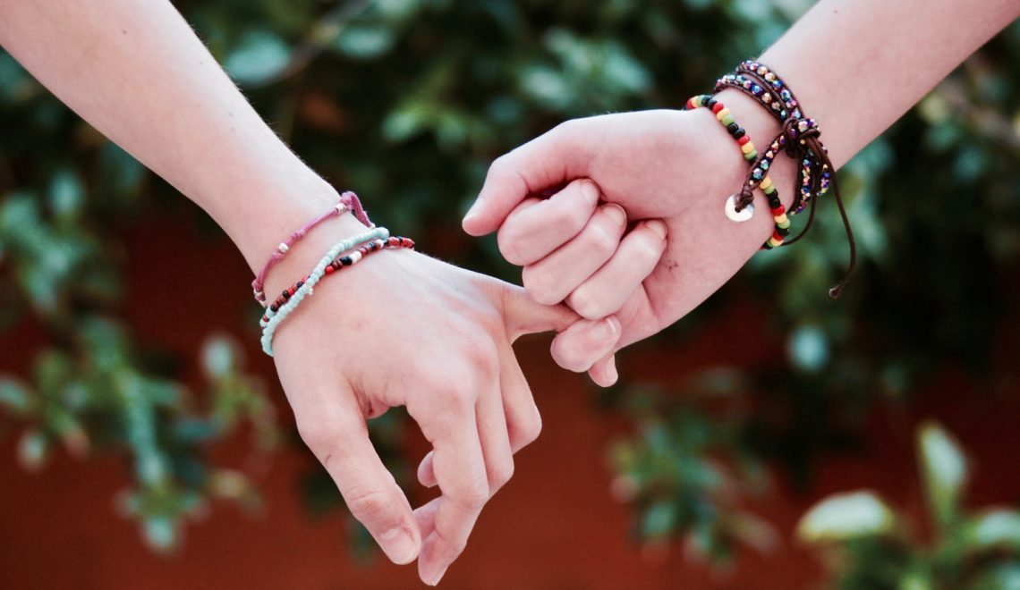 How to Celebrate Friendship Day at College, creative ideas for friendship day, friendship day chart, happy friendship day paragraph